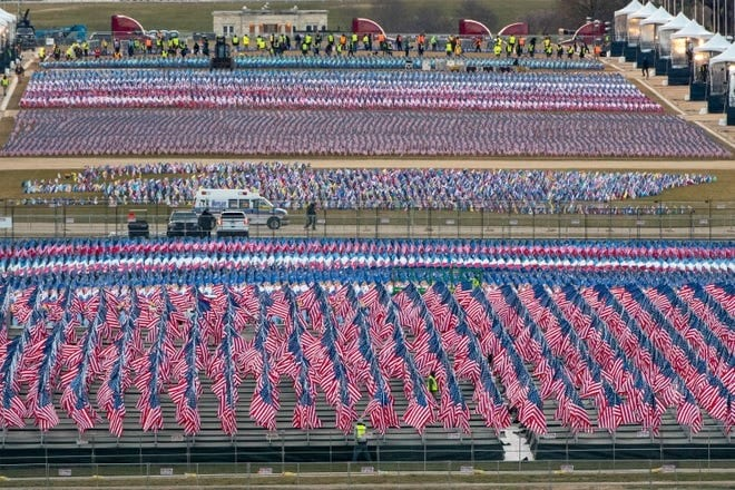 "The National Mall filled with a ""Field of Flags"""